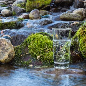 Fließt Wasser über sieben Stein, ist es wieder rein.
